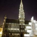 Bruxelles, scontro religioso per l'abete elettronico