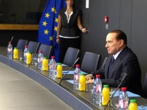 Silvio Berlusconi ad una riunione a Bruxelles