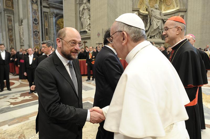 schulz invita papa francesco al parlamento di strasburgo