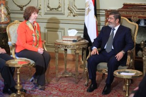 Ashton and Morsi in a meeting in Egypt on Sunday,7 April 2013.