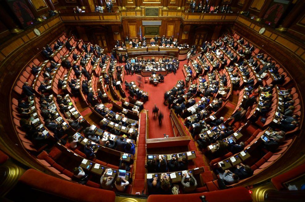 Il senato chiede una strategia comune contro il terrorismo for Sito senato
