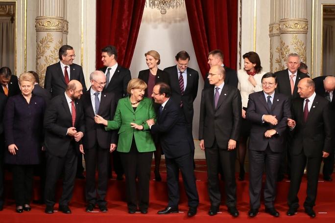 I leader europei riuniti a Parigi per discutere della lotta alla disoccupazione giovanile