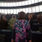 Cerimonia apertura Parlamento europeo, Ukip volta le spalle durante l'inno (FOTO)