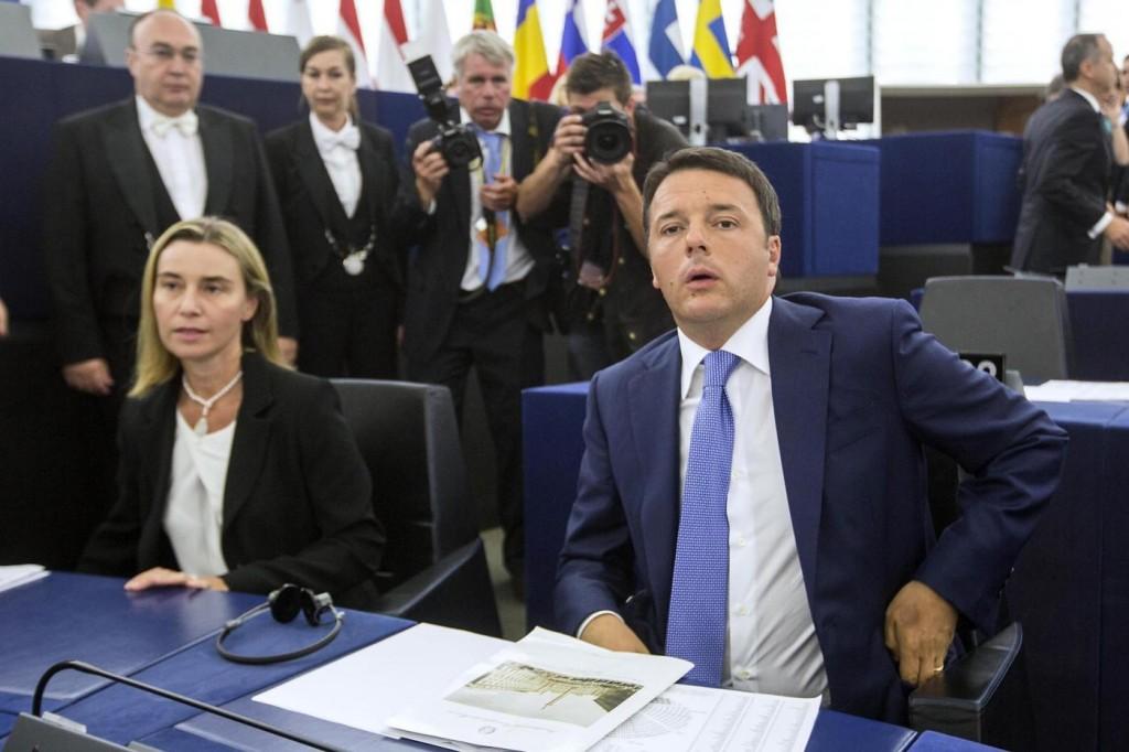 Renzi illustra il programma della presidenza italiana del Consiglio Europeo