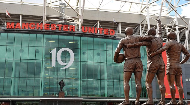 Soccer - Barclays Premier League - Manchester United v Blackpool - Old Trafford
