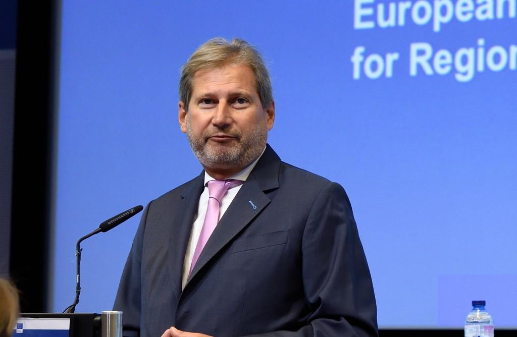 Hahn al VI forum solla coesione a Bruxelles