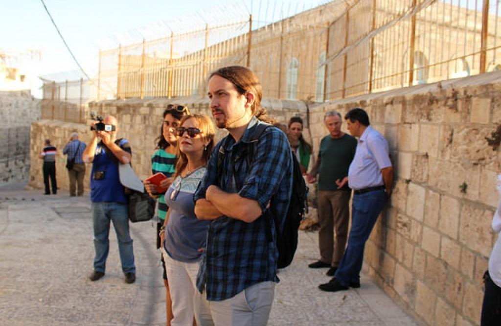 Pablo Iglesias durante la missione in Palestina