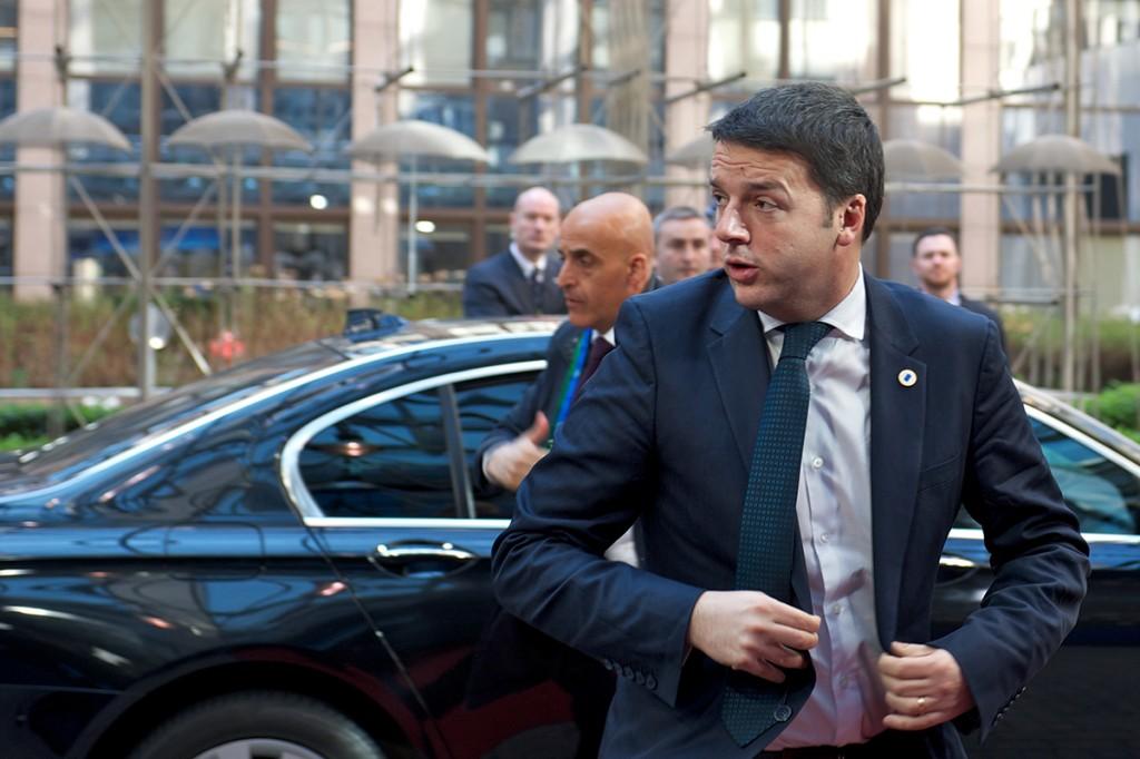 Renzi arriva al Consiglio