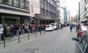 Elettori romeni in fila a Bruxelles