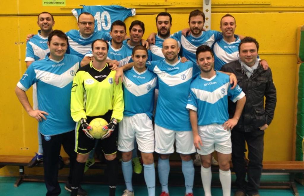 La squadra del Napoli club 'O Ciucckepiss - foto da Facebook