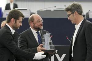 Schulz consegna il premio LUX al regista Pawlikowski - foto Parlamento Ue