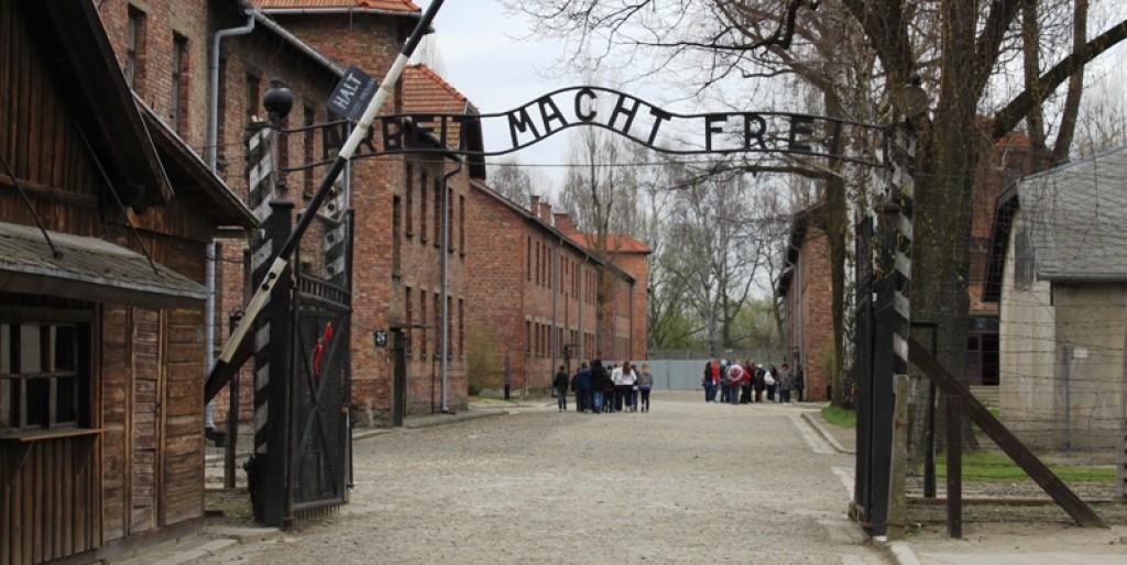 L'ingresso del campo di Auschwitz