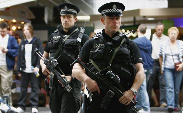 Poliziotti armati