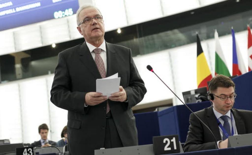 Il commissario Mimica in Aula - foto Parlamento europeo