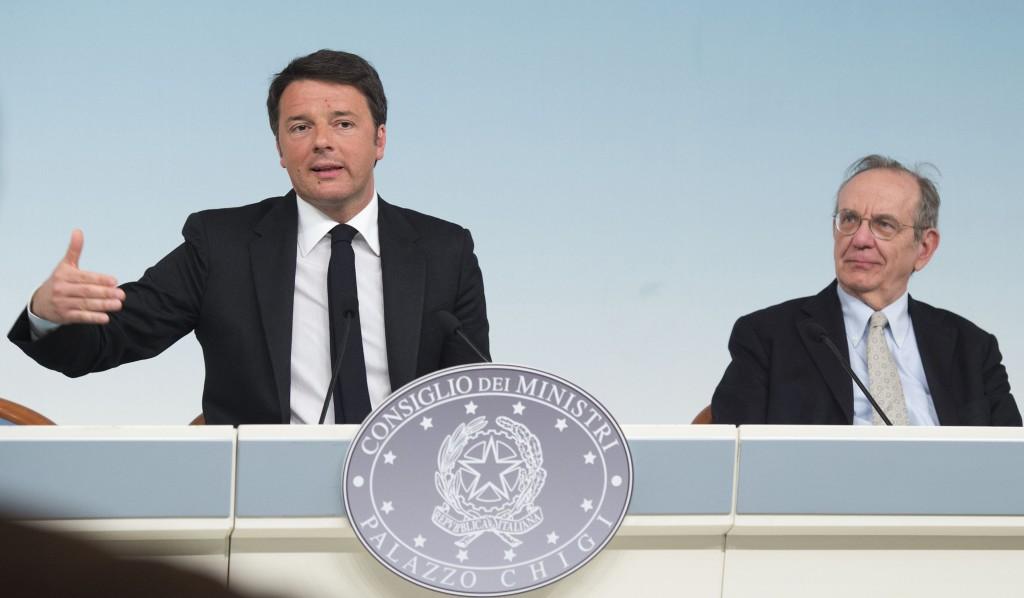 Il premier Matteo Renzi e il ministro dell'Economia Pier Carlo Padoan (Fonte: Palazzo Chigi)