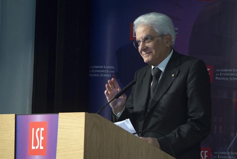 Il presidente Sergio Mattarella alla London school of economics (Fonte: Quirinale)