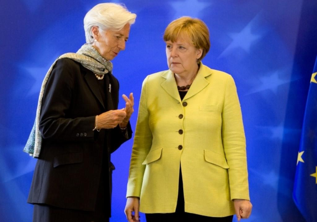 La direttrice del Fmi Lagarde parla con Merkel a margine dell'Eurosummit - foto Consiglio europeo