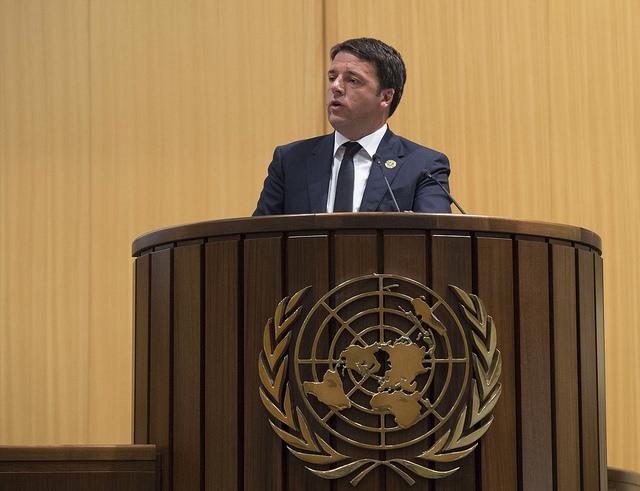 Il premier Matteo Renzi alla conferenza Onu di Addis Abeba sugli aiuti allo sviluppo (Fonte: Palazzo Chigi)