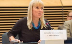 La commissaria al Mercato interno Elżbieta Bieńkowska