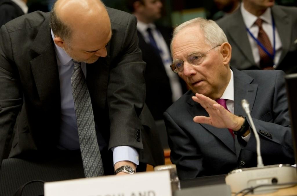 Il commissario agli Afferi economici Moscovici e il ministro delle Finanze tedesco Shauble all'Eurogruppo - foto Consiglio Ue