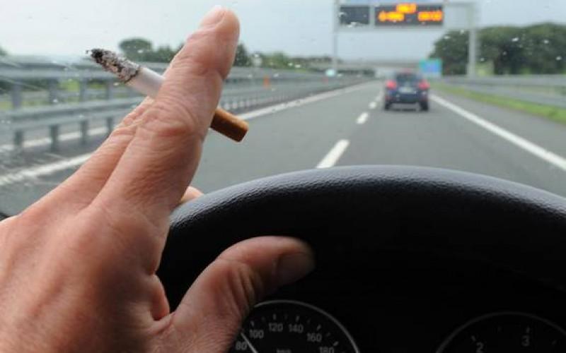 fumo auto, sigaretta bordo