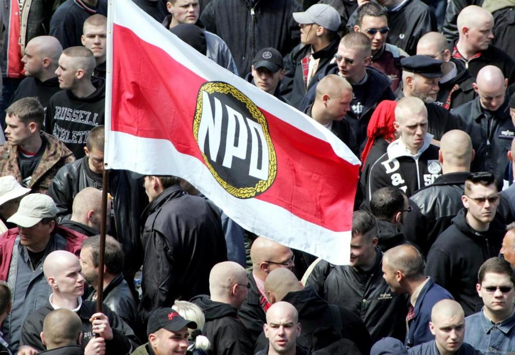 La Germania vuole bandire l'Npd accusato di neonazismo