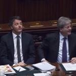 Il premier Matteo Renzi e il ministro degli Esteri Paolo Gentiloni (Foto: Barchielli, Palazzo Chigi