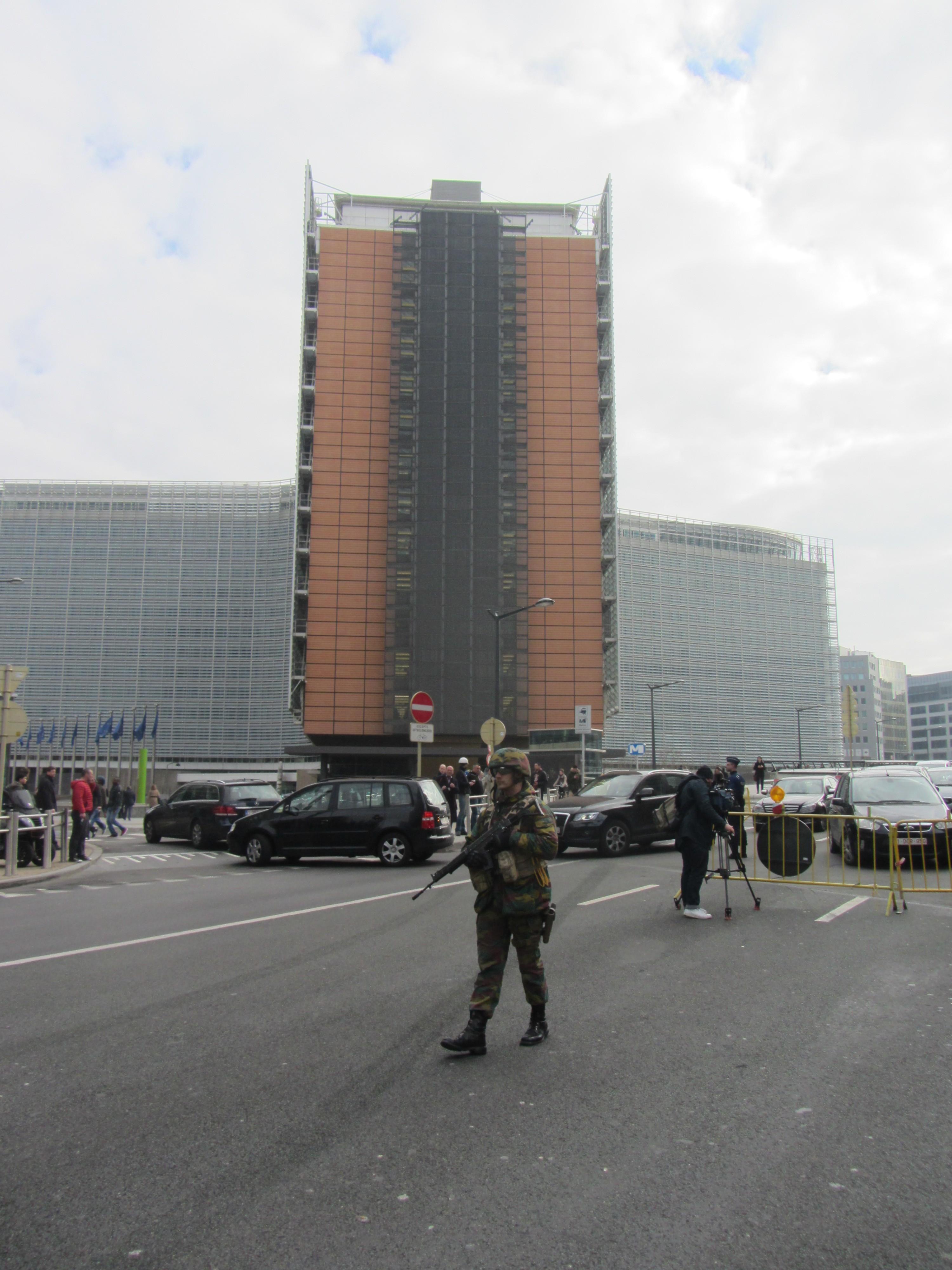 Bombe a Bruxelles, oltre 30 morti e 230 feriti tra aeroporto e metro (foto)
