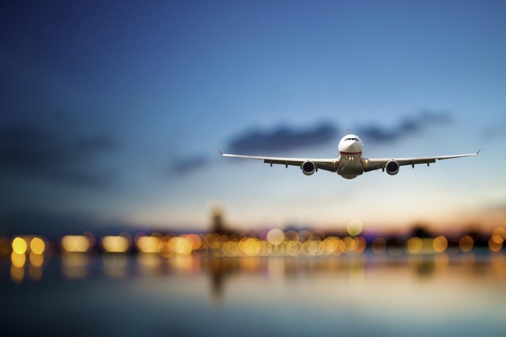 I dati Eurostat indicano che due terzi dei viaggiatori europei prenotano i loro viaggi in aereo da internet