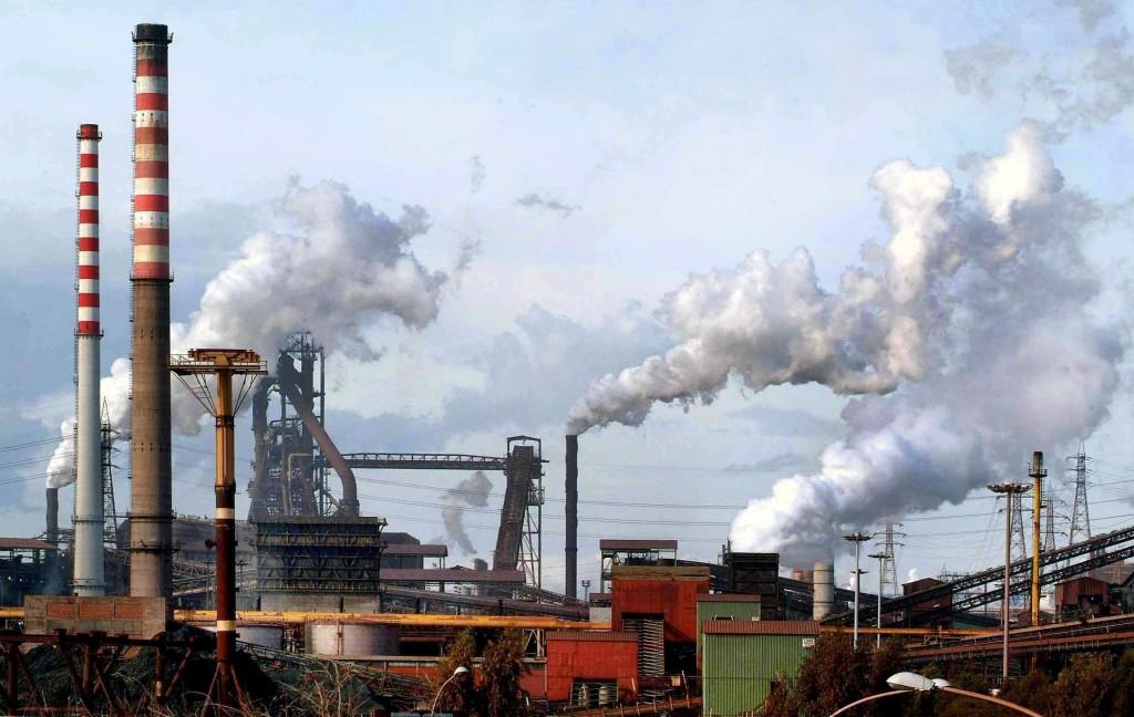 Lo stabilimento siderurgico Ilva a Taranto