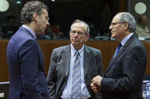 Padoan discute con l'olandese Dijsselbloem e il maltese Scicluna a margine dell'Ecofin - foto Consiglio Ue