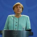 Terrorismo, Merkel tira dritto: