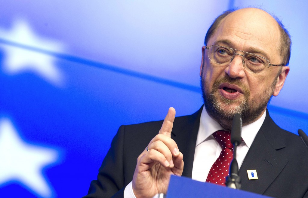"""Martin Schulz, presidente del Parlamento europeo, ha detto, in un articolo per il The Guardian, di attendere """"la notifica dell'uscita della Gran Bretagna dall'Ue dopo l'estate"""""""