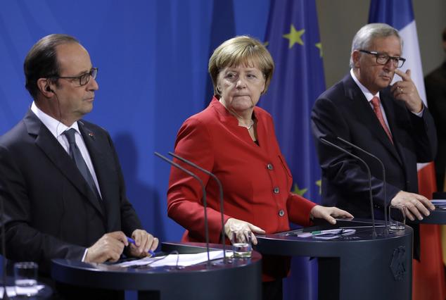 Hollande, Merkel e Juncker ieri a Berlino prima della cena con i manager europei