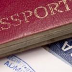 Certificato COVID, Commissione UE propone di allentare le restrizioni ai viaggi ma mantiene un