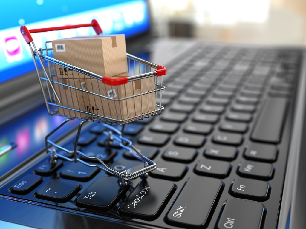 e-commerce Italia sviluppo shopping on line