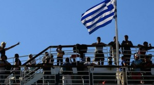 Greece_migrants_flag