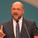 Schulz sotto attacco, accusato di clientelismo e spese dubbie