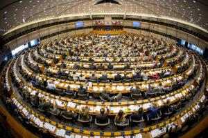 parlamento europeo, fondi, eurodeputati, spese