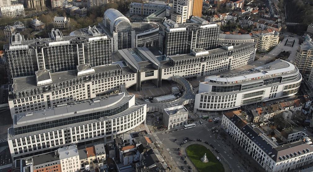 Il parlamento ue frena sui palazzinari chiesti nuovi for Sede del parlamento