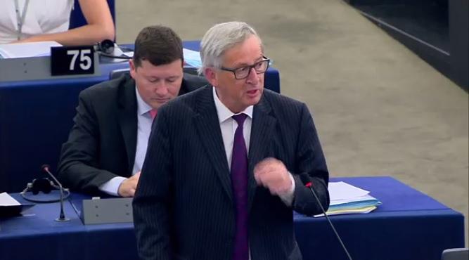 Juncker al parlamento europeo aula vuota siete ridicoli for Oggi in parlamento