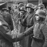 Essere fieri dell'esercito nazista, l'invito ai tedeschi del cofondatore dell'Afd