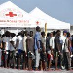 Migranti, crollo degli sbarchi in Italia ad agosto. Pressioni ancora forti in Spagna