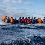 """Migranti, Minniti: """"Flussi dalla Libia calati del 25%, non si sono aperte altre rotte"""""""