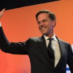 Olanda, Mark Rutte giura (di nuovo) da primo ministro. Tusk: