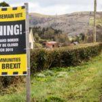 La frontiera irlandese chiude ai vaccini anti-COVID, l'UE fa 'mea culpa' e tranquillizza sul blocco