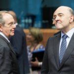 Padoan: l'Italia è elemento di incertezza per l'Ue. Di Maio: Il ministro avvelena i pozzi