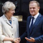 Brexit, Tusk tende ancora la mano a Londra: