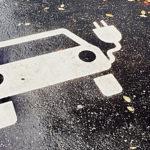 Auto elettrica e non solo, l'Ue promuove consorzi europei per batterie e apre a incentivi statali