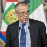 """Cottarelli riceve l'incarico di governo: """"Essenziale la nostra partecipazione all'euro"""""""